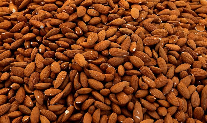 almonds-1571810_1920