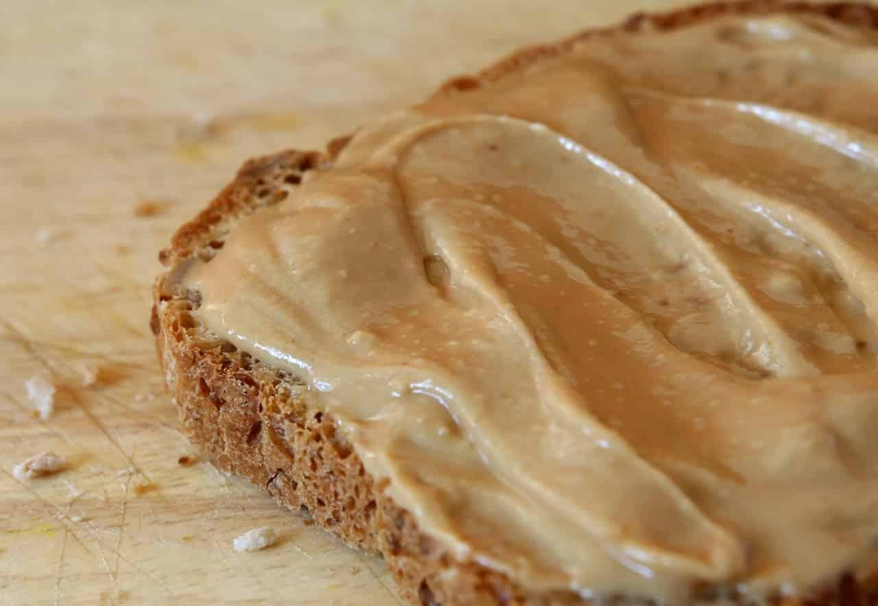 Fatty nut butter on bread