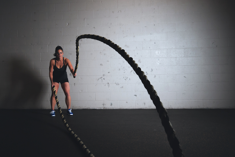 woman battle ropes free