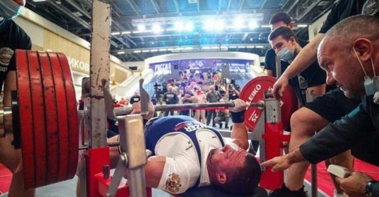 Andrey Sapozhonkov bench press